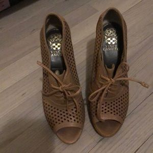 Vince Camuto Heels, size 37